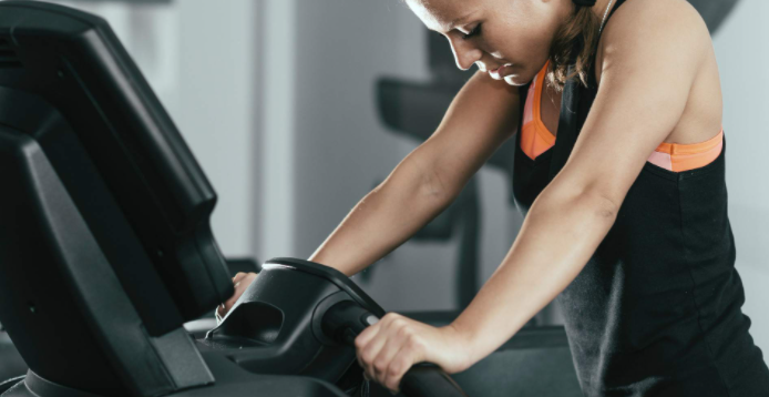 Tips for Saving Electricity When Using a Treadmill