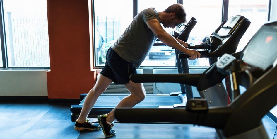How Can I Run on a Treadmill Without Hurting My Knees?