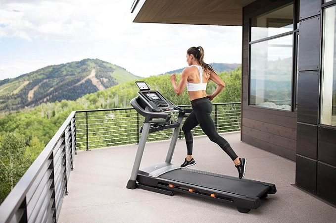 Is it Dangerous to Burn 1000 Calories a Day on a Treadmill?